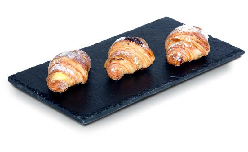 foodjoy-sweet-bakery-laboratorio-pasticceria-cantu-brioches-pasticcini-torte-caffe-particolare-brioches-su-pietra-laboratorio